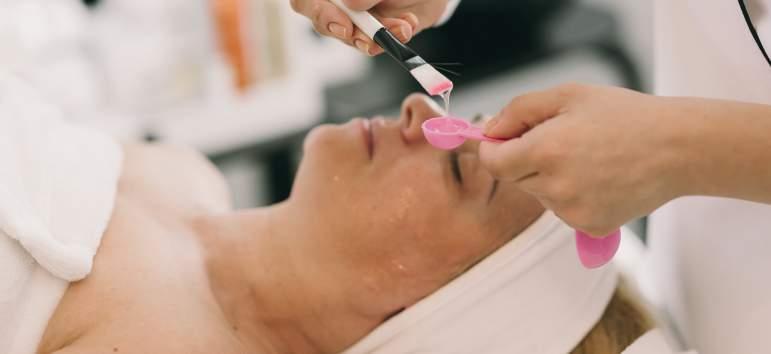Institut Esthederm Paris - lansare exclusivistă pe piața saloanelor beauty din România
