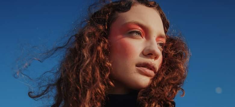 Noul brand de moda OuiMehNon lanseaza Emotions, colectia de primavara-vara 2018
