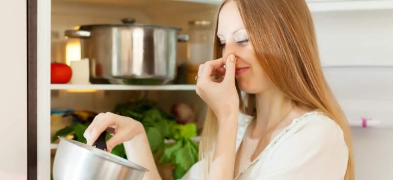 7 greșeli de evitat pentru ca alimentele și resturile de mâncare din casă să reziste mai mult timp