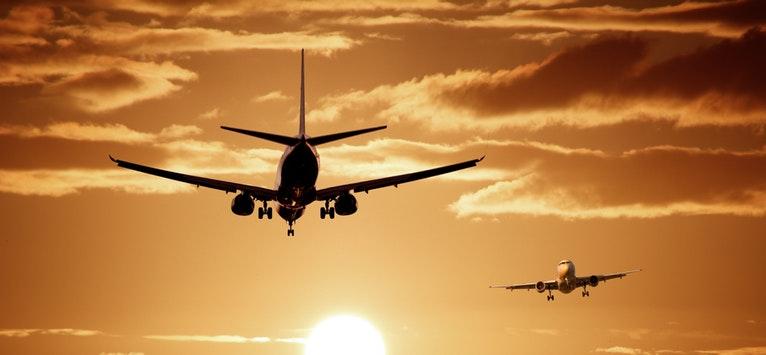 Zboruri low-cost? De fapt poți plăti chiar și de 19 ori mai mult la facilități extra