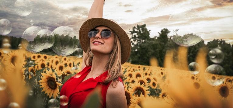 LEGEA ATRACȚIEI: 15 lucruri la care să renunți ca să găsești fericirea by Sarah Prout