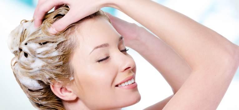 Cum să te speli pe păr în mod corect