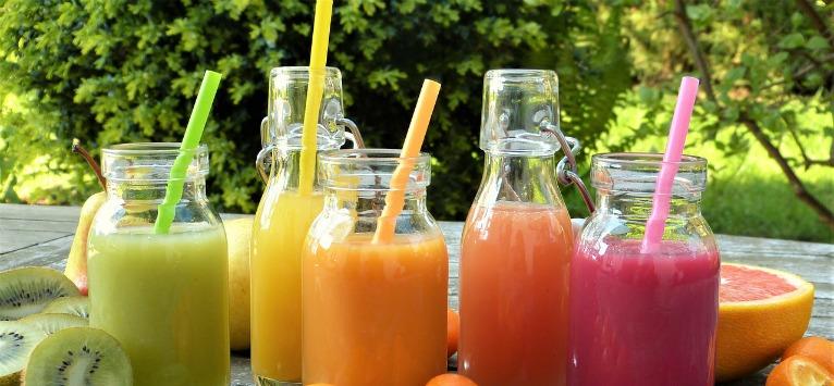 2 REȚETE SAVUROASE cu fructe care îți ajută organismul