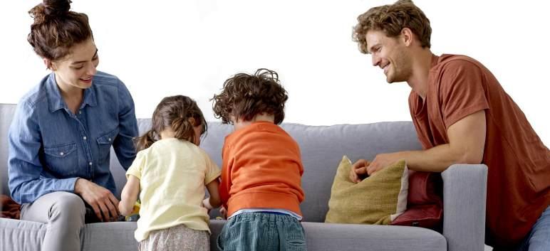 Studiu: familiile care se joaca mai mult sunt mai fericite