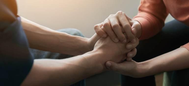 Explicaţiile psihologului: Când alegem psihoterapeutul și când alegem psihiatrul?