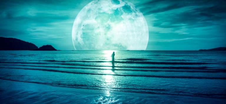 24 Octombrie - Lună plină în Taur: ne întoarcem către noi, către iubire, către rădăcinile noastre!