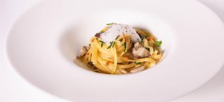 Rețeta unui chef celebru: 'Linguine 5 gusturi ale prospețimii' cu spumă de brânză de burduf