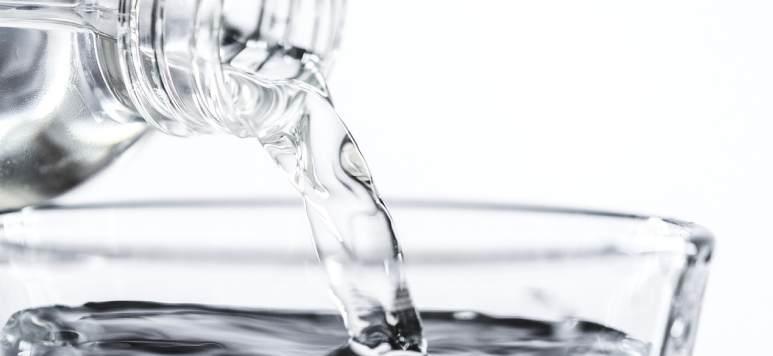 Tu știi cât de curată este apa pe care o bei?