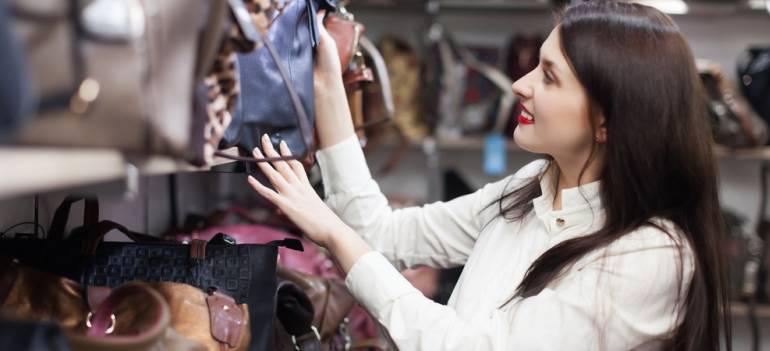 4 detalii la care trebuie să fii atentă când îți alegi geanta