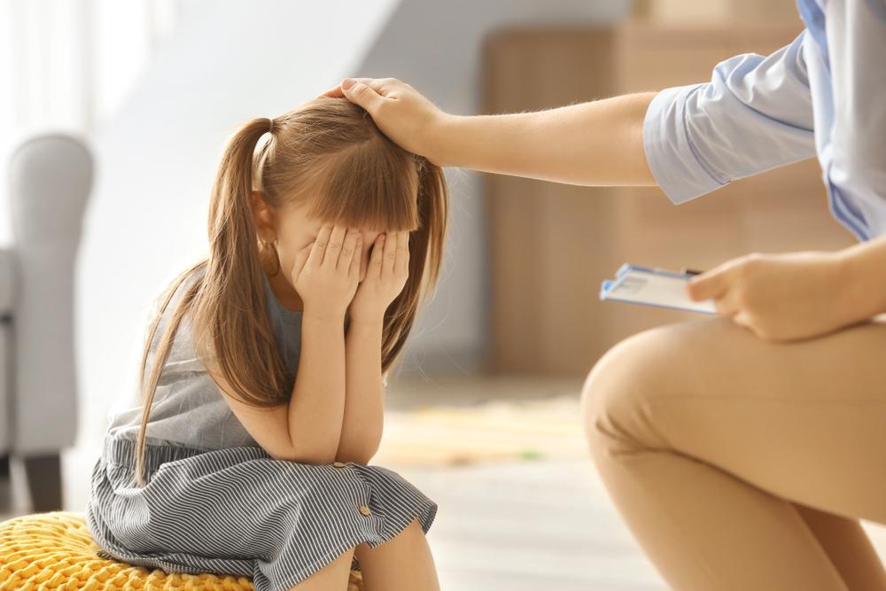 Marius Zamfir, psiholog clinician: De ce să nu expunem copiii mici la mediul virtual. Înțelege pericolul autismului virtual!
