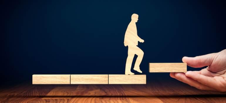 Explicaţiile psihologului: 3 riscuri ale dezvoltării personale 'comerciale'