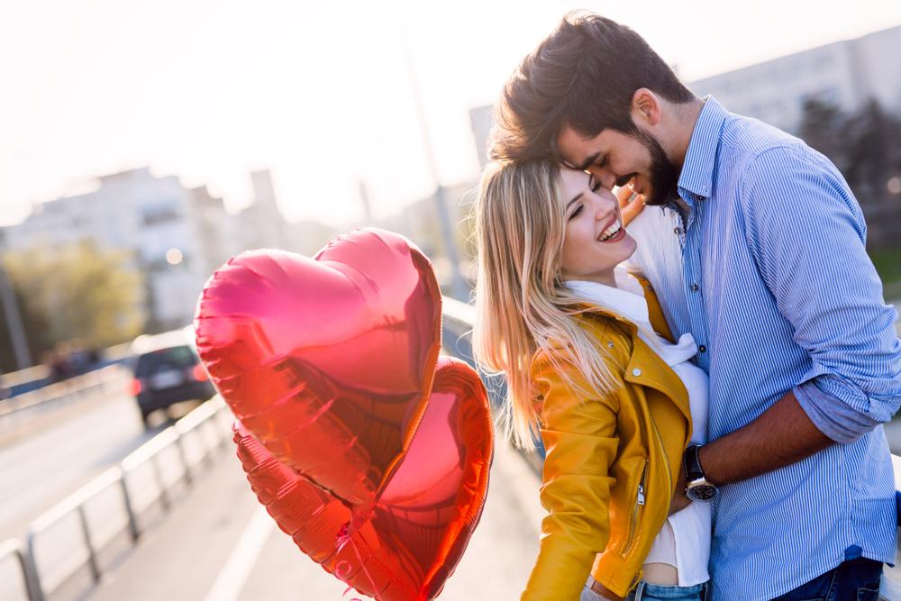 Cadouri de ziua îndrăgostiților pentru ea: idei pentru orice buget
