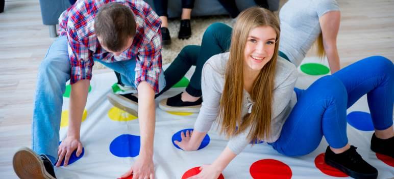 Jocurile copilăriei: 4 jocuri de care te poți bucura și ca adult