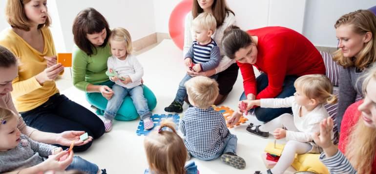 Ziua internațională 'Bring your kid to work day' - Ce activități pregătesc companiile din România pentru 25 aprilie