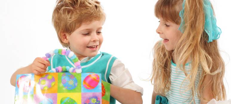 Cadouri de Paște pentru copii: recomandări hazlii și distractive