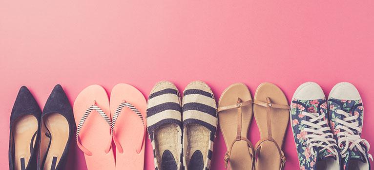 4 modele de pantofi sport pe care trebuie să le ai în garderobă