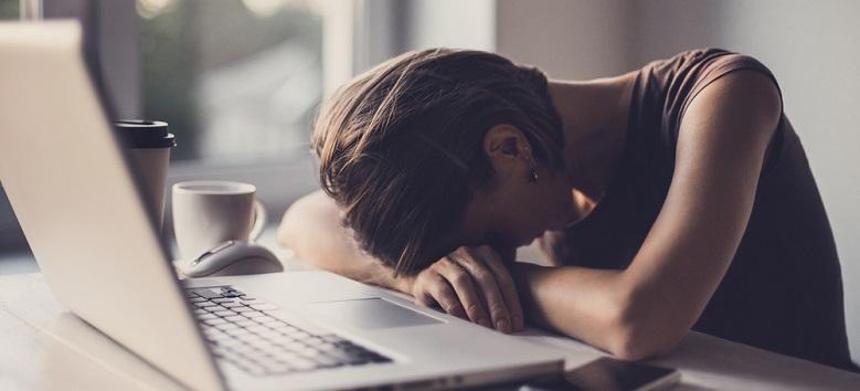 După fiecare oră de muncă, oprește-te 5 minute. Sfaturi pentru a scăpa de stres la locul de muncă