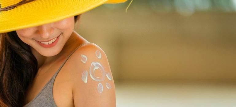 Crema de protecție solară - cum o alegem și cum o folosim corect?