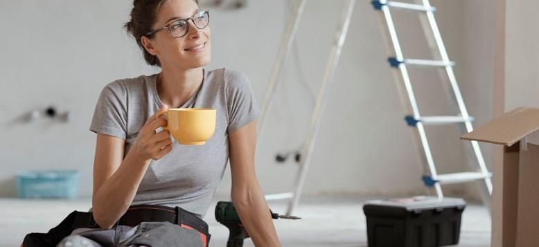 Cum să îți reamenajezi casa cu bun gust și buget redus