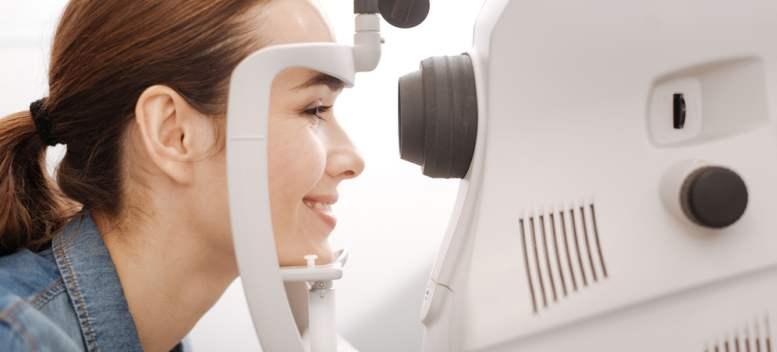 Dr. oftalmolog: TOP greșeli în purtarea lentilelor de contact și pașii de urmat pentru o igienă corectă