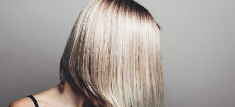 Cum să tunzi și să stilizezi părul fin? 3 trucuri de la stiliști
