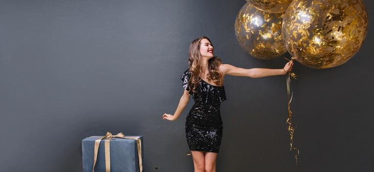8 rochii de seară pentru petrecerea de Crăciun de la muncă