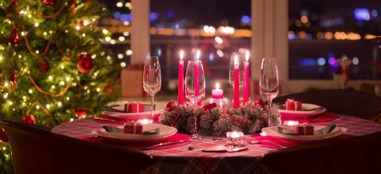Fețe de masă decorative pentru masa de Crăciun