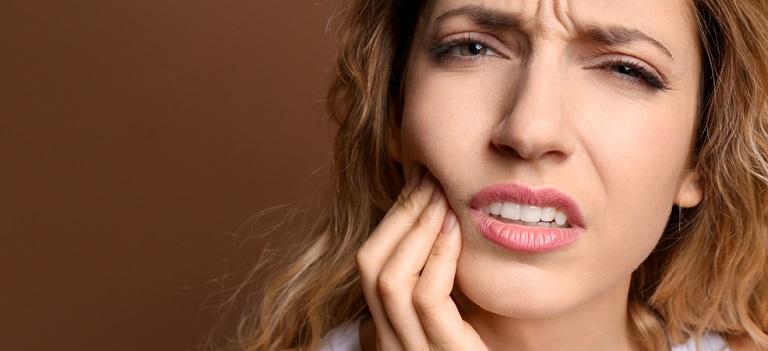Caria dentară reprezintă o boală contagioasă. Iată DE CE!