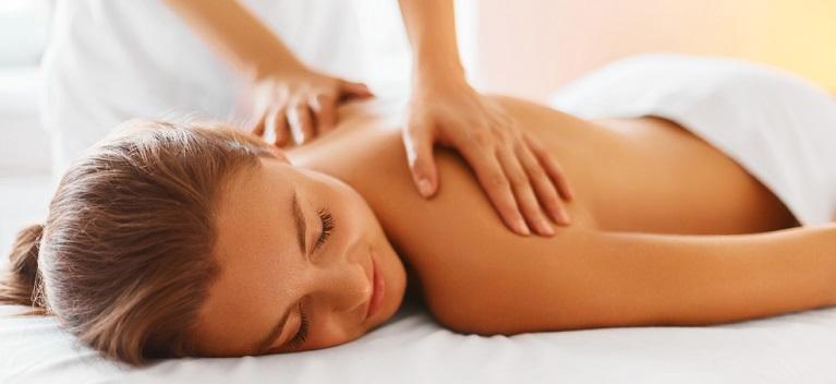 6 motive să faci un masaj. Află beneficiile acestui tip de terapie