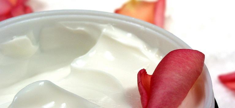 7 creme de corp de la branduri de top pentru ingrijire delicata