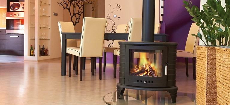 Șemineu sau sobă pe lemne - Cu ce să îți încălzești locuința?