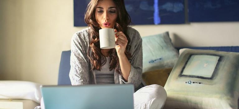 Stresul provocat de izolare îţi poate strica dimineţile. Cum să îţi începi ziua în formă maximă