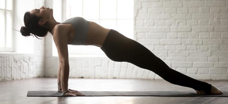 Exerciții cardio, fără sărituri, pe care le putem face acasă
