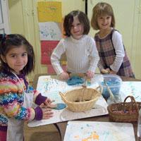 Cand au loc primii pasi in arta pentru copii?
