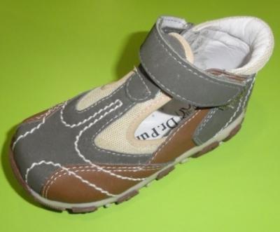 Incaltaminte de vara: 10 modele adorabile pentru copii: Sandale dr Punto Rosso