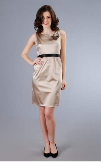 Cum ma imbrac la nunta sau botez? 11 rochii de seara: Rochie din saten elastic