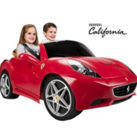 15 Obiecte deosebite pentru joaca micutilor in parc: Ferrari cu motor