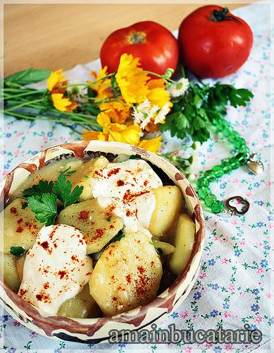 5 retete extrem de usoare pe care le poate prepara oricine:  Cartofi cu smantana