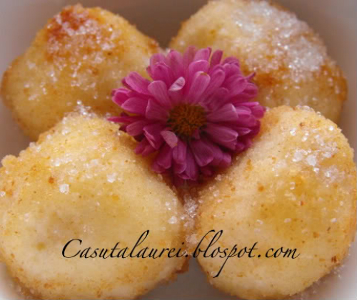 5 dulciuri de savurat duminica dupa-amiaza:  Papanasi ca la mama acasa