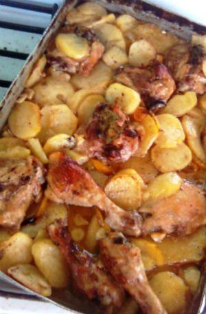 5 idei de a prepara friptura de pui perfecta:  Friptura de pui cu cartofi