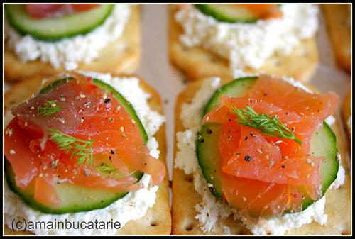 Pregatiri pentru Craciun: 5 aperitive dichisite:  Aperitiv cu somon