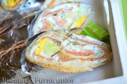Nimic in frigider? 4 solutii pentru o cina rapida:  Tortilla cu Somon