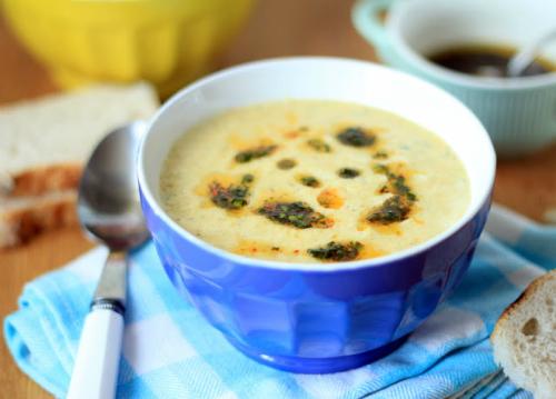 5 supe calde pentru zile reci de iarna: Supa de radacinoase coapte cu tarhon