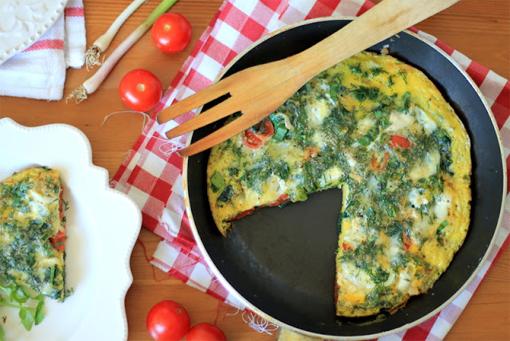 Prepara acest mic dejun si vei avea o zi excelenta: Frittata cu verzituri de primavara