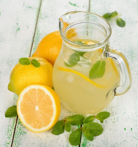 Detox de vara: 4 bauturi cu fructe: Limonada cu menta