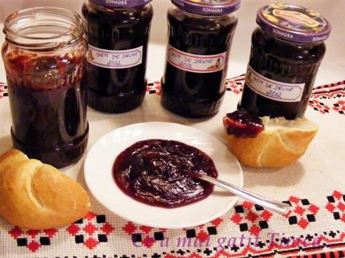 3 retete cu prune, la inceput de toamna: Gem de prune