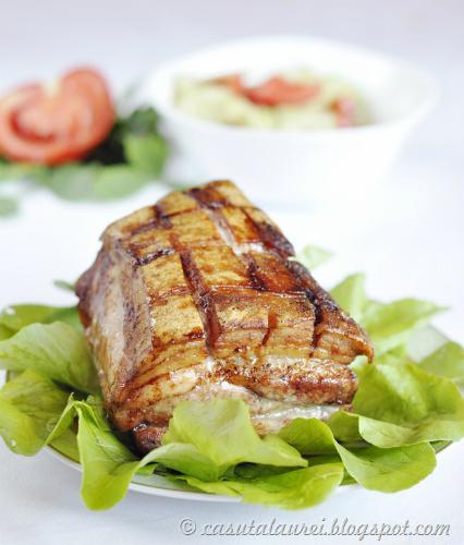 Cea mai buna leguma-i porcu'. 3 fripturi de porc: Piept de porc crocant cu sos de mustar