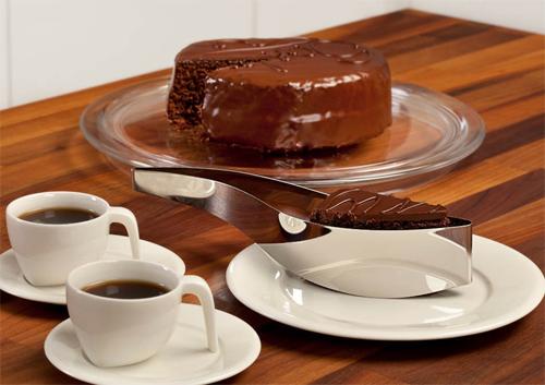 10 ustensile pentru prajituri fabuloase: Taietor felii de tort