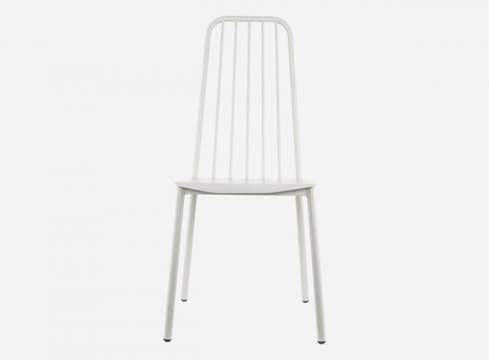 Pentru un dining modern: 13 modele de scaune in tendinte: Scaun din aluminiu Tacker