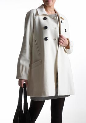 21 modele de paltoane pentru sezonul rece: Palton cu croiala usor evazata
